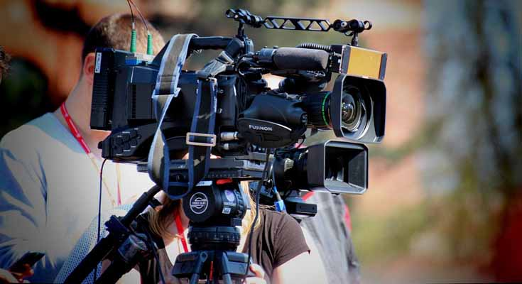 novinari, kamera, snimatelji