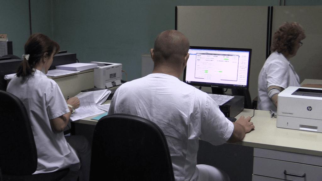 Zdravstvenim radnicima povećavana primanja pred izbore, a smanjivana poslije izbora