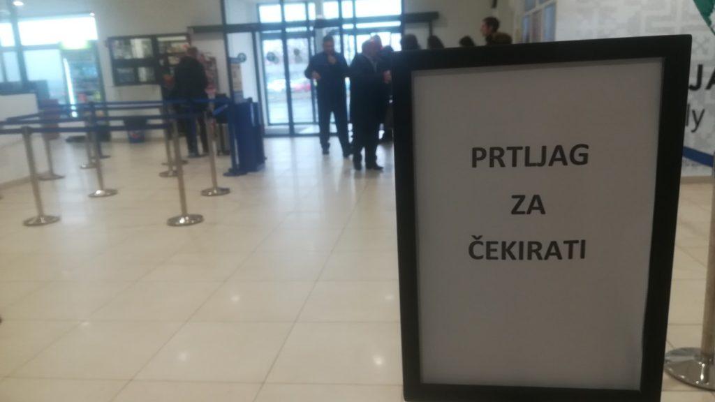 Aerodrom Banjaluka, Mahovljani