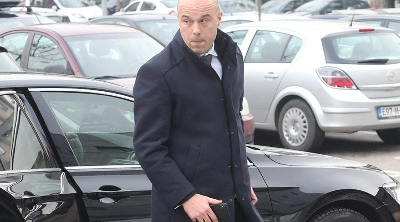 ŽURNAL nastavio otkrivati aferu o Milanu Tegeltiji: Objavljeni detalji i prepiska (FOTO)