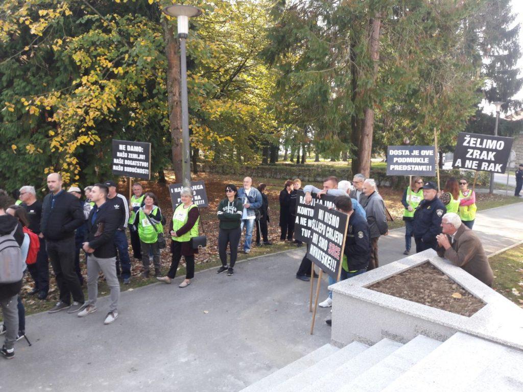Protesti protiv odlaganja nuklearnog otpada u Dvoru/FOTO: Dragana Karlica