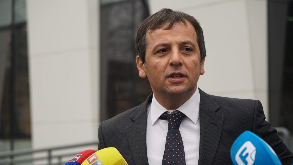 Nebojša Vukanović ispred Osnovnog suda/FOTO:GERILA